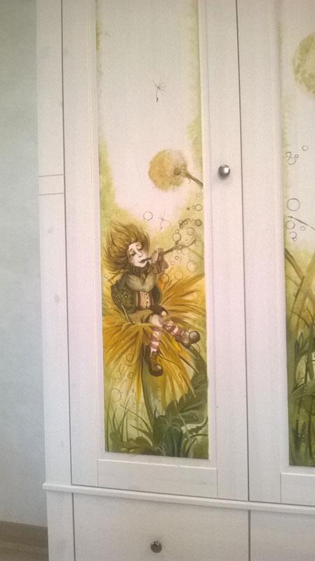 Роспись на шкафу 1