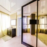 Спальня с видом на шкаф 2